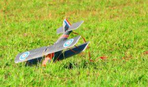 Modellflugzeug richtig versichern beim Absturz